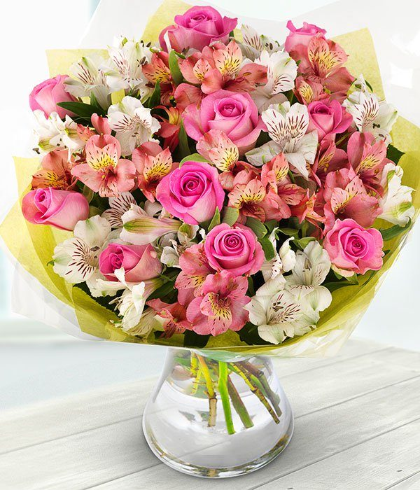 the_flower_shop_bury_florist_wedding_funeral_plants_gifts_valentines_roses_tulips_birthday_paradise