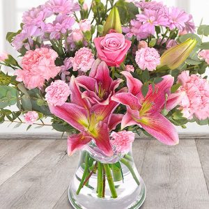 the_flower_shop_bury_florist_wedding_funeral_plants_gifts_valentines_roses_tulips_birthday_royal_blush